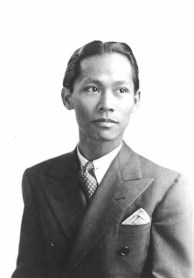 Carlos Bulosan. Property of MSCUA, University of Washington Libraries. Photo coll 563.