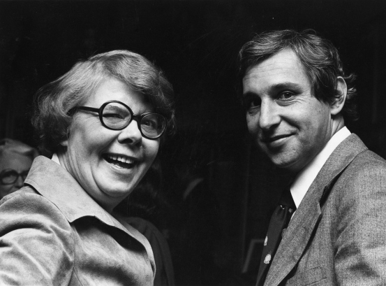 Alice Rooney with Paul Schell at the Allied Arts annual meeting, 1979. Photo by Roger Schreiber. University of Washington Libraries, Special Collections.