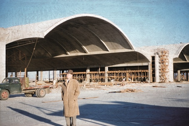 B-52 Airplane Hanger for the Boeing Aircraft Company, Moses Lake, WA. Designed by Naramore, Bain, Brady and Johanson and Jack Christiansen. Complete with Jack Christiansen outfront, 1957.